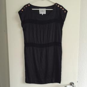 Designer remis kjole str 34 (Small)brugt - Odense - Designer remis kjole str 34 (Small)brugt en enkelt gang. Nypris 2000,- - Odense