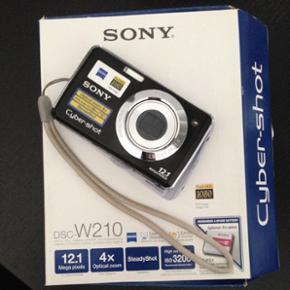 Sony kamera, fejler intet, i flot stand. - Aalborg  - Sony kamera, fejler intet, i flot stand. Vi bruger bare kun vores telefoner til at tage billeder. - Aalborg