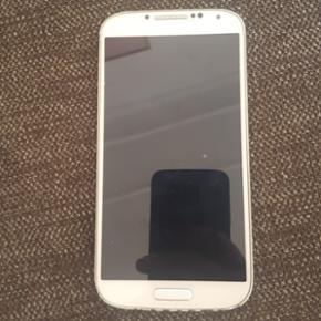 Samsung Galaxy S4 - Brugt men virker up? - København - Samsung Galaxy S4 - Brugt men virker upåklageligt. Intakt skærm, lidt ridser i kanterne af coveret. - København