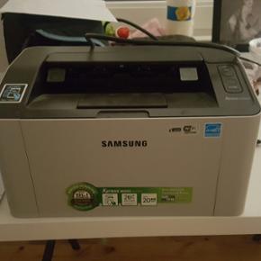 Samsung Xpress M2022W Trådløs samsung  - Esbjerg - Samsung Xpress M2022W Trådløs samsung laser printer :) Brugt meget lidt og med næsten ny toner. - Esbjerg