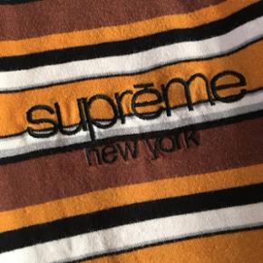 š«ï¸Hej Tradono⚫️ 🔥Sælger denn - København - š«ï¸Hej Tradono⚫️ 🔥Sælger denne sinds Supreme Classic logo long sleeve🔥 Cond/stand 7-10 pga et par smÃ¥ flaws/huller Str M Byd Byd Byd - København