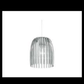Pendel i klar acryl sælges.Diameter 30  - København - Pendel i klar acryl sælges.Diameter 30 cm. ca 4 mdr. gammel.(bliver ikke brugt) 2 stk. ny pris 1600,- købt i ilva Begge sælges for 500,- - København