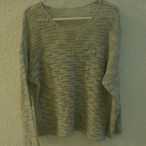 Let gennemsigtig oversize uld blouse - Aalborg  - Let gennemsigtig oversize uld blouse - Aalborg