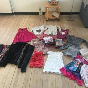 122-128 -16 pr bukser -6 kjoler -1 varm  - Vejle - 122-128 -16 pr bukser -6 kjoler -1 varm trøje - 9 langærmede -6 t-shirt -1 nederdele -13 trøjer H&M - pomDelux - Zara - Milka - next - Vejle