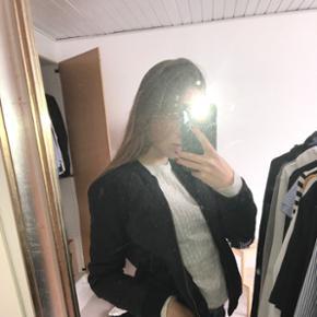 Cute sort Termo jakke fra globalfunk. Go - Helsingør - Cute sort Termo jakke fra globalfunk. God stand. Størrelse xs-s. Np 500kr - Helsingør