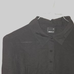 Silkelignende skjorte fra Gina tricot st - Århus - Silkelignende skjorte fra Gina tricot str 36 svarende til small - Århus