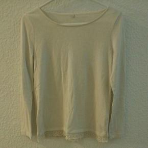 Hvid/creme blonde blouse KUN BRUGT 1 GAN - Aalborg  - Hvid/creme blonde blouse KUN BRUGT 1 GANG! - Aalborg