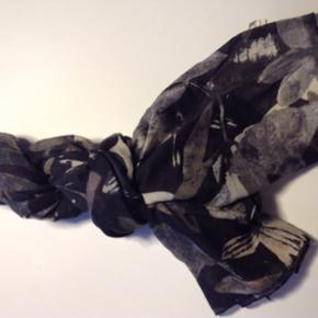Lækker tørklæde, som ny. - Esbjerg - Lækker tørklæde, som ny. - Esbjerg