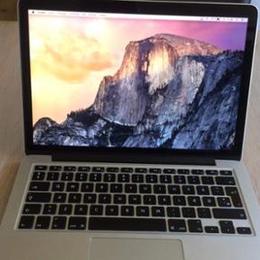 """MacBook Pro Retina 13"""" 2015, 2,7 GHz 128 - Aalborg  - MacBook Pro Retina 13"""" 2015, 2,7 GHz 128 GB harddisk og 8 GB ram. Rigtig fin stand kun brugsridser i bunden. Har ikke den original kvittering mere, men købsaftale medføre. Fast pris - Aalborg"""