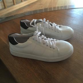Sælger disse super fede sko, de er køb - Randers - Sælger disse super fede sko, de er købt på stylepit for et år siden, men er kun brugt en gang, str 40 - Randers