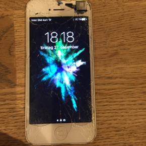 IPhone 5 16 GB 600kr iPhone 5 C 8 GB 500 - Bramming - IPhone 5 16 GB 600kr iPhone 5 C 8 GB 500kr Virker fint er brugt til dags dato Uden lader Begge for 950kr Ved ikke om jeg har kasserne mere... 1 - Bramming