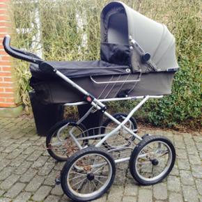Altan barnevogn sælges billigt! Punkter - Esbjerg - Altan barnevogn sælges billigt! Punkteret på det ene hjul. - Esbjerg