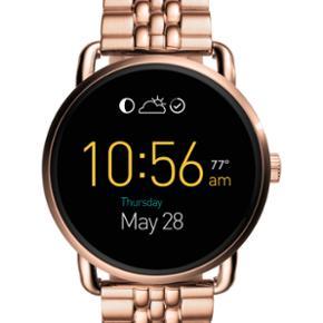 Fossil smart watch i Rosegold m. Lænke. - Aalborg  - Fossil smart watch i Rosegold m. Lænke. Alt medfølger. - Aalborg