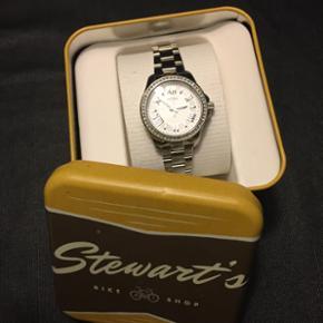 Fossil ur, dame model Aldrig været brug - Aalborg  - Fossil ur, dame model Aldrig været brugt Ny pris ca 700kr Kom med et bud - Aalborg