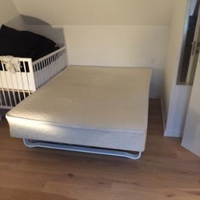 Seng 140B 200L Sælges pga vi har købt  - Esbjerg - Seng 140B 200L Sælges pga vi har købt ny seng. Kom med et bud Mvh Martin - Esbjerg