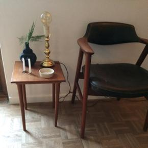 Fint teaktræsbord - 250kr  - Fint teaktræsbord - 250kr