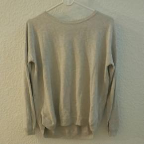 Enkel blouse fra H&M med detaljer - Aalborg  - Enkel blouse fra H&M med detaljer - Aalborg