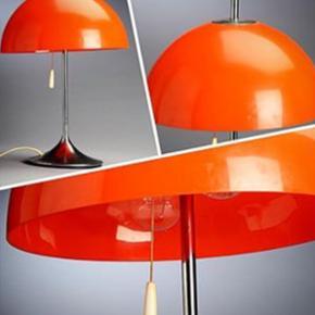 Retro Frank J. Bentler bordlampe fra 60' - Aalborg  - Retro Frank J. Bentler bordlampe fra 60'erne. Dansk design. Fejler intet. H 47 cm. Er vurderet og blevet solgt for ml 1200-1500kr af aktionshuse. Trænger bare til en våd klud. De små sorte pletter på skærmen er bare skidt nemlig