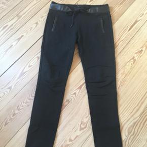 88743564 Flotte sorte jeans køb og salg | Find den bedste pris!