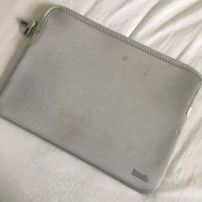 Sælger denne computer taske fra trunk B - Odense - Sælger denne computer taske fra trunk Brugt, men kan tåle vask Str: 13 - Odense