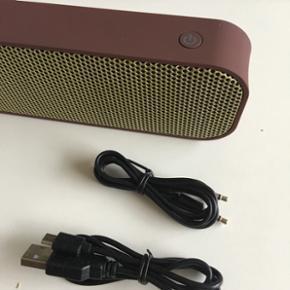 Kreafunk Bluetooth trådløs mini højta - København - Kreafunk Bluetooth trådløs mini højtaler speaker til mobil iPhone Helt ny. Brun guld farve. USB + aux kabel medfølger. - København