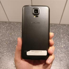 Samsung Galaxy S5 med hele 16 GB i god s - Århus - Samsung Galaxy S5 med hele 16 GB i god stand. Der er lidt skrammer på kanterne men ellers er skærmen helt perfekt og uden skrammer! Har haft den lidt over et år men desværre ingen kvittering, da jeg er flyttet og kvittering blevet væk. Telef - Århus