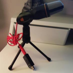 Mikrofon med ekstern lyd kort, lille ada - Århus - Mikrofon med ekstern lyd kort, lille adapter til USB, Perfekt Jeg sælger den kun, fordi jeg har købt en anden. Model:SF-666 Sensitivity:-55dB±2dB Directivity:Noise Cancelling Impedance: - Århus