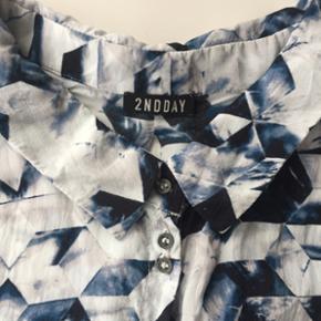 Lækker, let skjorte fra 2nd Day i str.  - Århus - Lækker, let skjorte fra 2nd Day i str. 36. - Århus