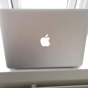 """MacBook air 13"""" Pæn og velholdt MacBook - Nyborg - MacBook air 13"""" Pæn og velholdt MacBook, uden nogle form for ridser. Brugt til skolebrug og altid være i støvpose under transport Oplader og æske følger med - Nyborg"""