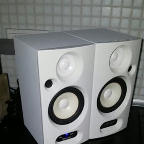Bluetooth højtaler 2 stk. Perfect til f - Aalborg  - Bluetooth højtaler 2 stk. Perfect til forretning eller børneværelset. Kan også tilsluttes med jackstik. - Aalborg