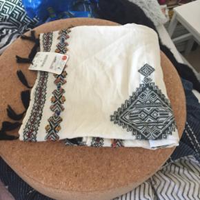 Tørklæde fra Zara sælges - Esbjerg - Tørklæde fra Zara sælges - Esbjerg