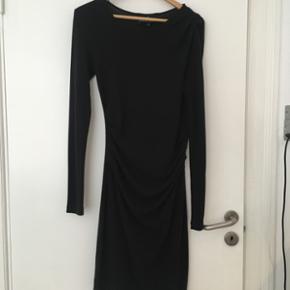 Designers Remix kjole i mørkegrå Lidt  - København - Designers Remix kjole i mørkegrå Lidt fnuldret i stoffet, det kan man ikke undgå med denne kjole. - København