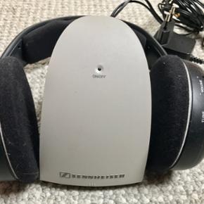 Sennheizer HDR 110II, FM høretelefoner. - Silkeborg - Sennheizer HDR 110II, FM høretelefoner. Virkelig lækre, god vellyd, lette og lang rækkevidde. Fuld frekvens, da de bruger FM, ligesom radio, er der ingen komprimering. - Silkeborg