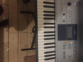 Keyboard med stativ Virker som det skal - Aalborg  - Keyboard med stativ Virker som det skal - Aalborg