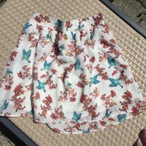 Mega cute nederdel fra pieces, de er næ - Århus - Mega cute nederdel fra pieces, de er næsten ikke bruge så i flot stand❤️ De er en størrelse small men har elastik ved taljen så passer også medium