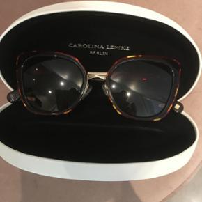 Carolina Lempke brunlige solbriller sæl - København - Carolina Lempke brunlige solbriller sælges pga jeg har fået styrke i solbriller. Købt i sommer i Malaga. Næsten nye ingen ridser. - København