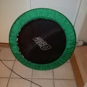 Lille trampolin på 1m i diameter, kan k - Skanderborg - Lille trampolin på 1m i diameter, kan klare maks 100 kg. - Skanderborg