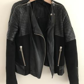 Skindjakke fra Inwear. Str. 36. Købt fo - Århus - Skindjakke fra Inwear. Str. 36. Købt for 3300 kr. Standen er god men brugt. - Århus