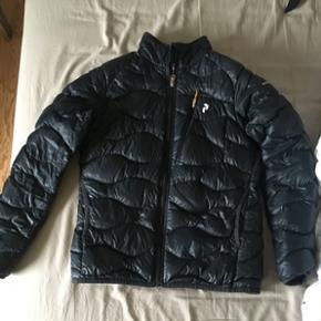 Sælger denne Dame jakke Peak Performanc - Randers - Sælger denne Dame jakke Peak Performance - Helium jacket Størrelse M Helt som ny, kun brugt få gange. - Randers