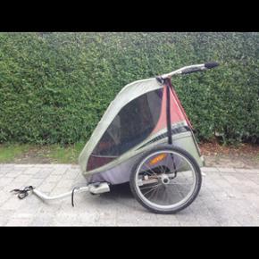 Chariot cykelanhænger med både barnevo - Slagelse - Chariot cykelanhænger med både barnevognshåndtag og stang til montering på cyklen. Den trænger til en kærlig hånd, men fungerer upåklageligt. - Slagelse
