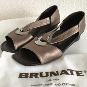 Brunate sko BYD, sælges billigt  - Brunate sko BYD, sælges billigt