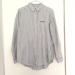 Пš Skjorte fra Gina Tricot 🐚 - stø - Aalborg  - Пš Skjorte fra Gina Tricot 🐚 - størrelse 38 - Aalborg