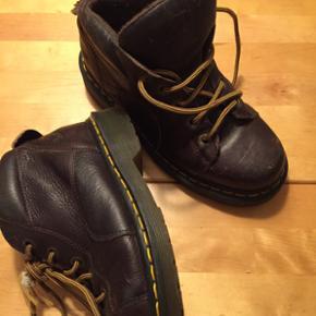 Str 36 brun støvle Fin stand Kan bruges - Odense - Str 36 brun støvle Fin stand Kan bruges af piger og drenge. BYD - Odense