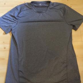 Sports t-shirt fra H&M str. L - Vejen - Sports t-shirt fra H&M str. L - Vejen