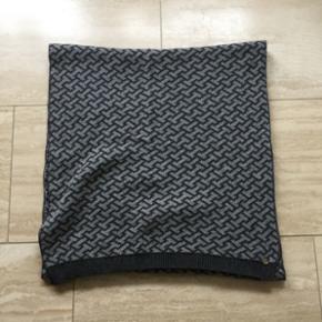 Tommy Hilfiger tørklæde, 2M langt - Fredericia - Tommy Hilfiger tørklæde, 2M langt - Fredericia