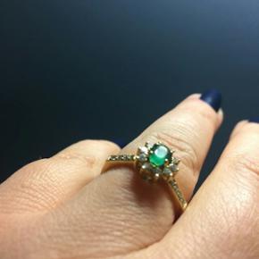 Ring i 18 kt. Guld med smaragd og brilla - København - Ring i 18 kt. Guld med smaragd og brillanter. Str. 57 Flot stand. Nypris 8500. - København