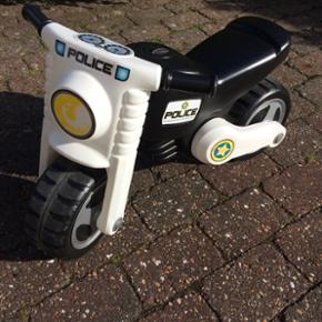 Politi scooter/løbecykel - Esbjerg - Politi scooter/løbecykel - Esbjerg