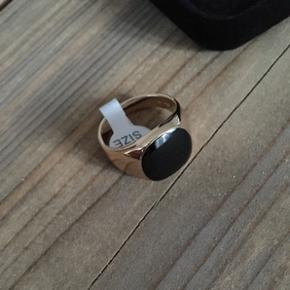 Guldring i størrelse 10. Ringen er ubru - København - Guldring i størrelse 10. Ringen er ubrugt og fås i original emballage. Nypris er 599.- - København