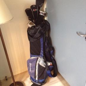 Golf sæt 1,3,4,5,6,7,8,9 og Sw jern 3,5 - Esbjerg - Golf sæt 1,3,4,5,6,7,8,9 og Sw jern 3,5,7 kølle grafit skaft Driver. Handske, golfkugler, bag og tees og pits fork: Sælges samlet. - Esbjerg