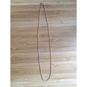 Tynd ankerfacet halskæde i sterlingsøl - Horsens - Tynd ankerfacet halskæde i sterlingsølv stemplet 925 42 cm passer til en voksen med alm/tynd hals 30,- - Horsens